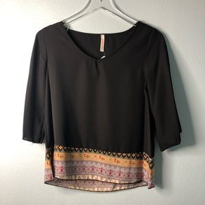 🌸 Boutique | black top with colored trim